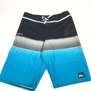 Quicksilver men's swimming trunks SZ 30